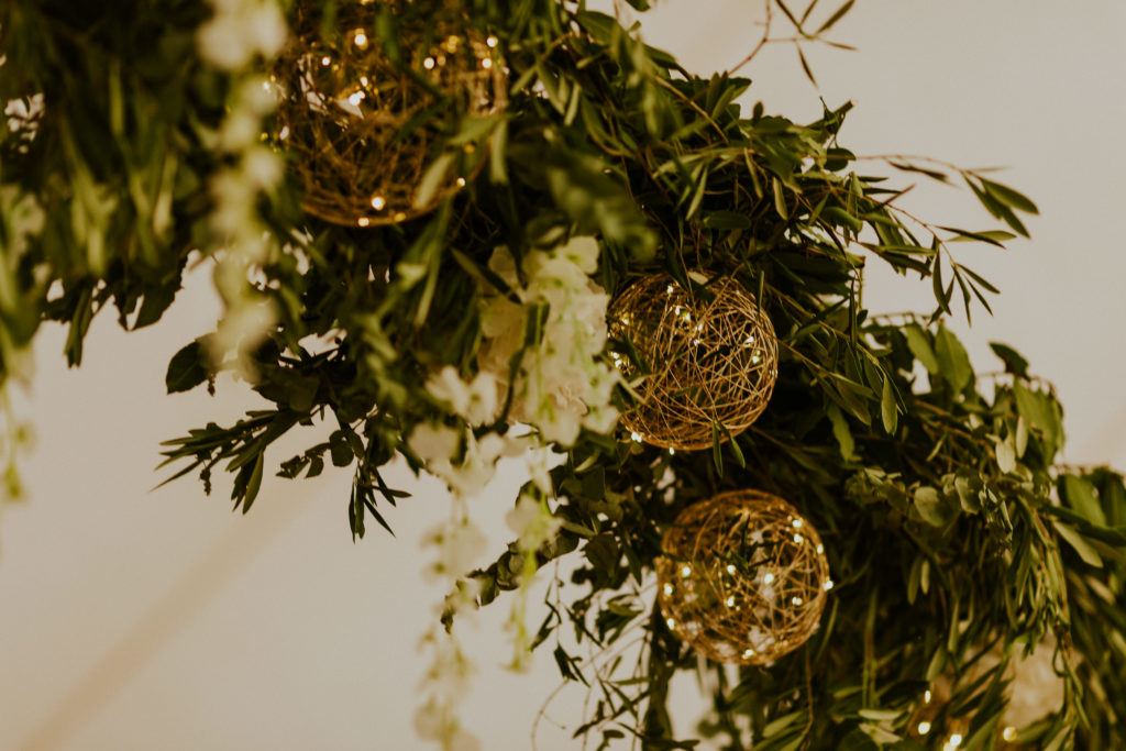 plafond végétal pour un mariage