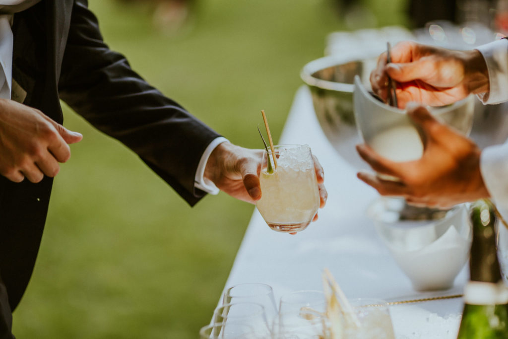 cocktail avec paille en bambou,mariage végétal - décoratrice de mariage Normandie