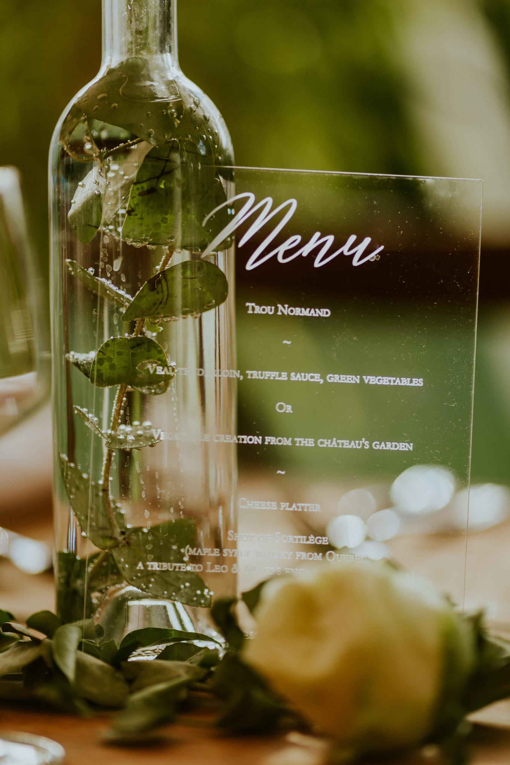 menu en plexi - decoration de table mariage