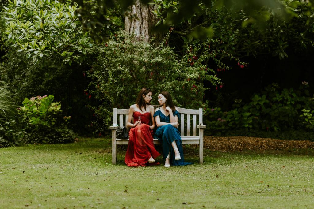 Cocktail mariage dans le parc du Chateau La Chenevière Port en Bessin