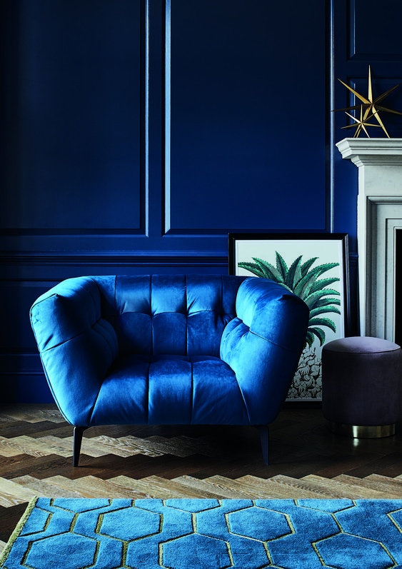 classic-blue-pantone-2020-decoration-d-interieur-barker-and-stonehouse