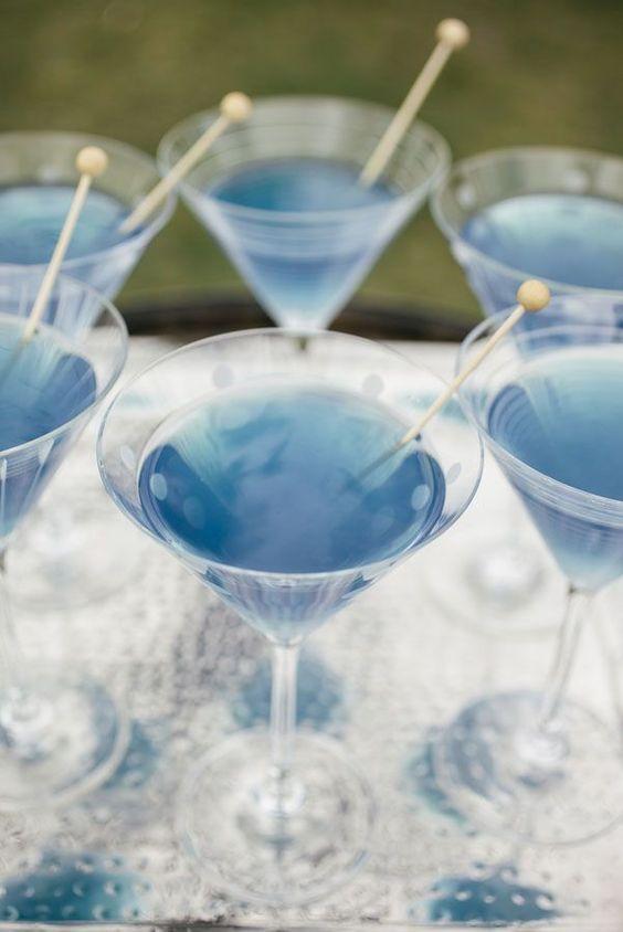 bar-a-cocktail-mariage-bleu-inspiration-casacomidaeroupaespalhada