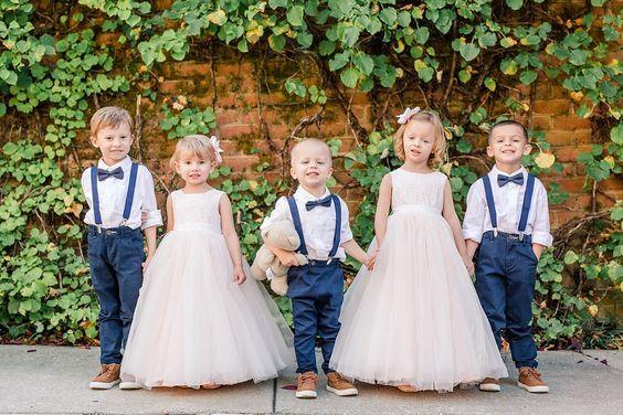 cortege-mariage-tenues-enfants-inspiration-bleu-amoramor