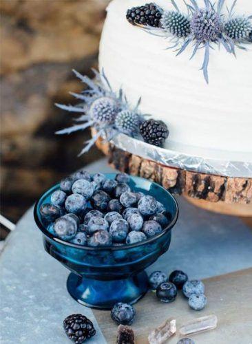 wedding-cake-blue-bleu-pantone-2020-myrtille