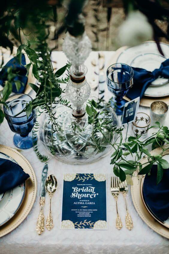 wedding-design-mariage-bleu-scenographie-table-vegetal-normandie