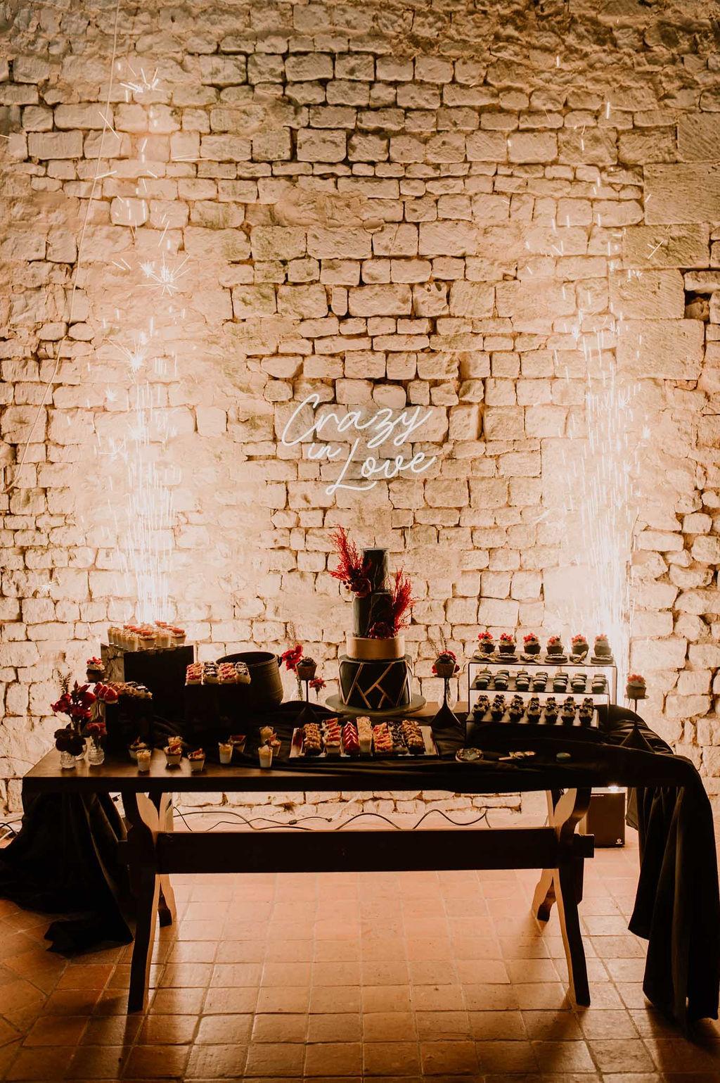 buffet de desserts / douceurs / wedding cake - CREDIT PHOTO : Anne Letournel