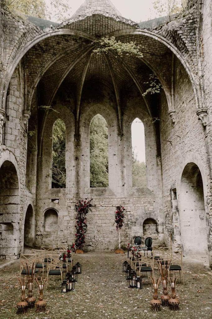 ceremonie-laique-exterieur-abbaye-normandie
