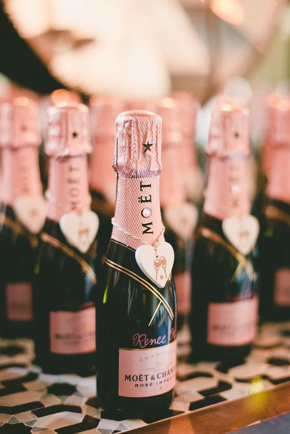 inspiration idee cadeau invite mariage champagne
