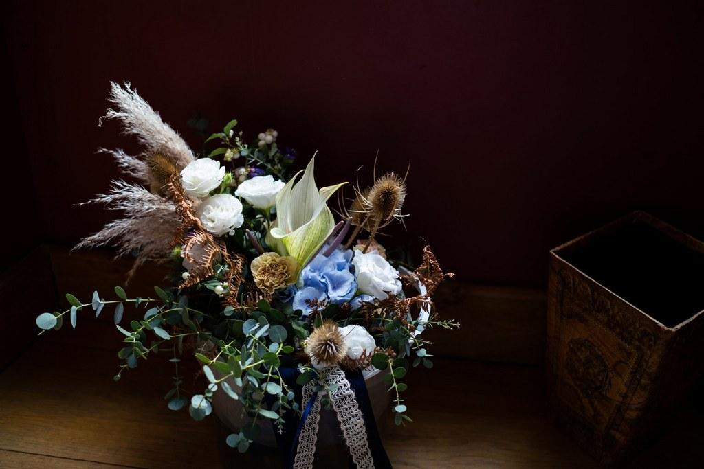 bouquet de mariée bleu fleurs sechees
